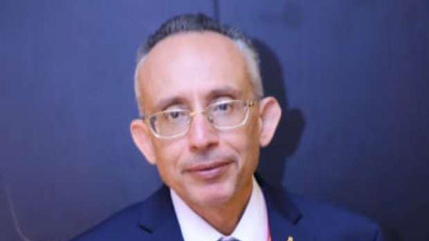 الدكتور أشرف الغندور