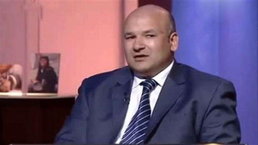 البرلماني السابق علاء حسانين، الشهير بـ «نائب الجن والعفاريت»، في عهد الجماعة الإرهابية «الإخوان»