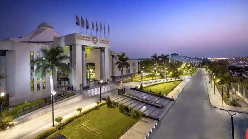 جامعة مصر للعلوم و التكنولوجيا