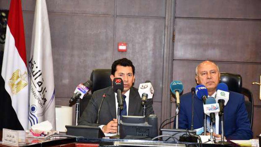 وزيرا النقل والشباب والرياضة يعلنان استعدادات بطولة «Iron Man» الدولية