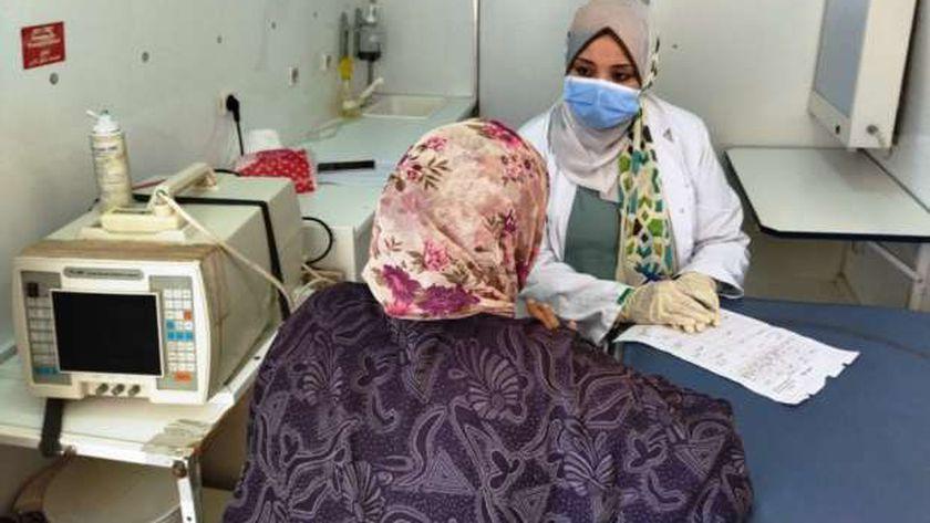قافلة طبية مجانية لأهالي قريتي «إبريم وفارس» بأسوان