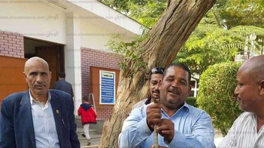 أفراد أمن جامعة أسيوط يعثرون على ورن ويقتلوه