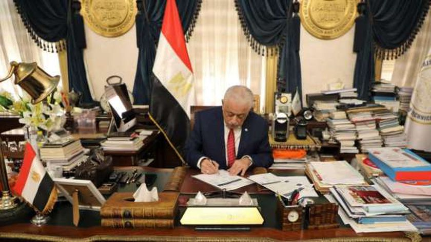 الوزير يعتمد نتيجة الدبلومات الفنية
