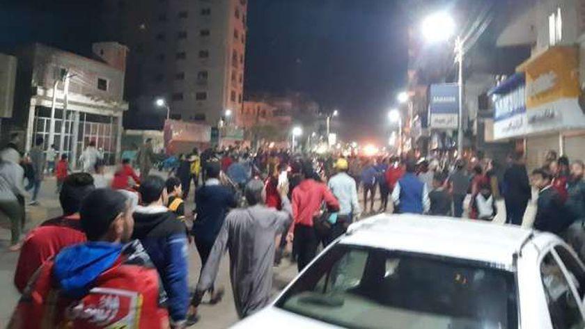 صور.. احتفالات متفرقة بفوز الأهلي بالبطولة الإفريقية بشوارع بني سويف