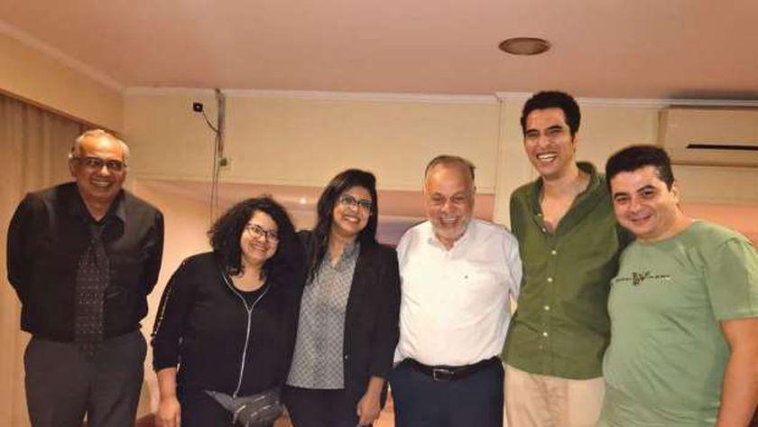 أشرف زكي مع مؤلفي شقة 6