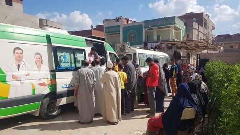 بالصور: محافظ الغربية يوجه بشن حملات نظافة وقوافل علاجية بقري المحلة