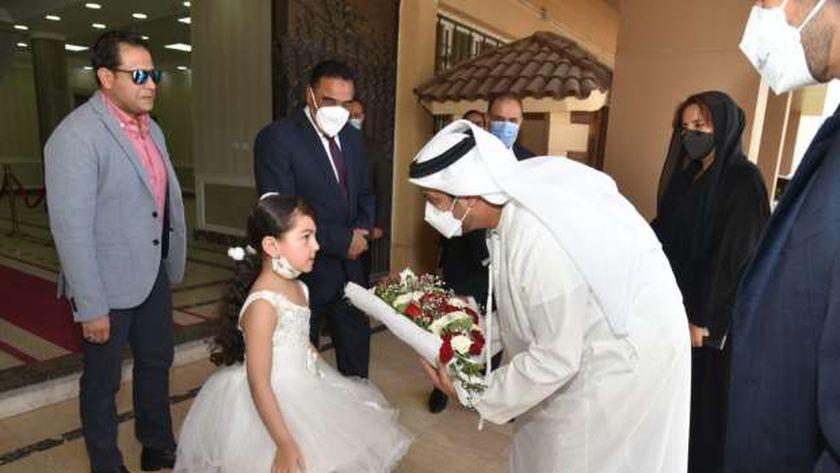 محافظ مطروح خلال استقباله السفير الإماراتي