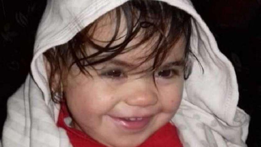 الطفلة منار .. ضحية حقن الطبيب البيطري بالغربية