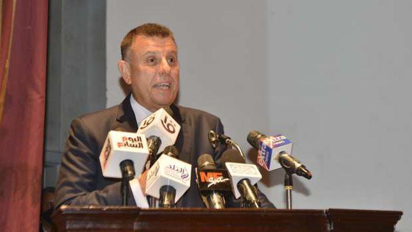 الدكتور محمود المتيني- رئيس جامعة عين شمس