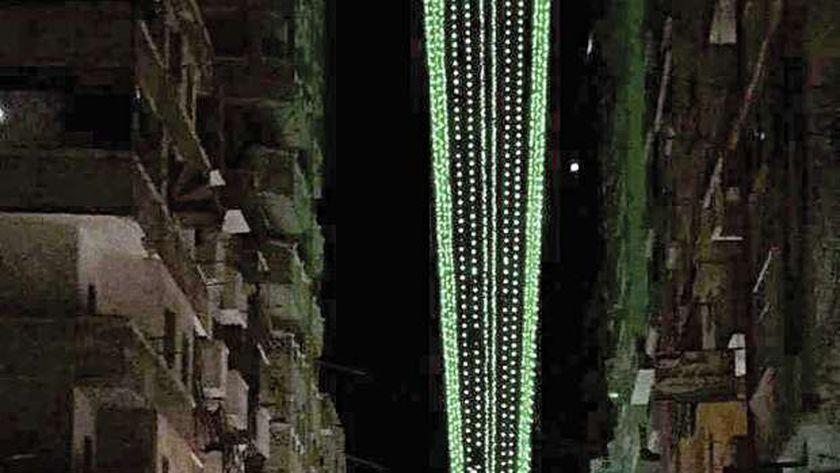 أطول فانوس مضاء فى شارع سينما ليلى بباكوس