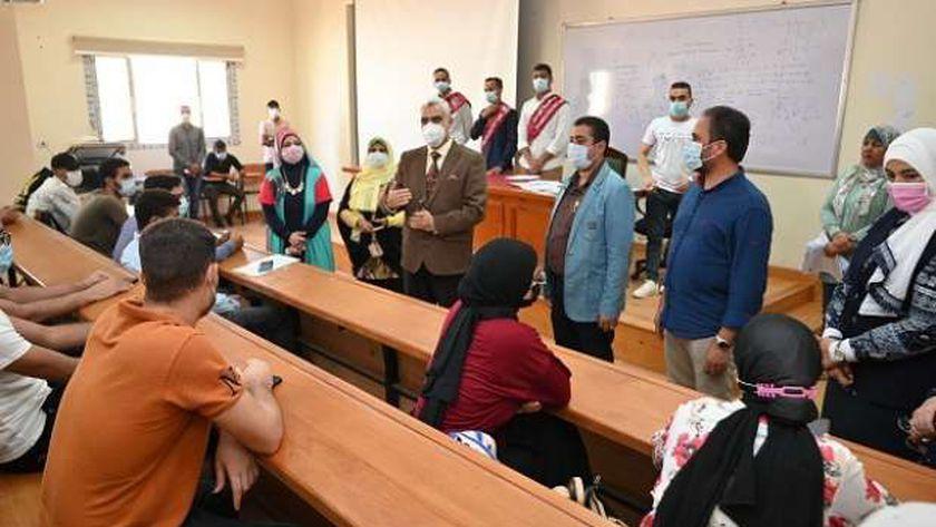 17 مركز لتطعيم الطلاب وأعضاء هيئة التدريس بجامعة الفيوم بلقاح كورونا