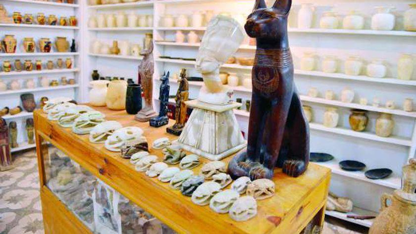 قطع أثرية مصرية فى مزاد
