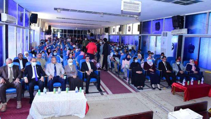 علوم سوهاج تحتفل بإستقبال 679 من طلابها الجدد