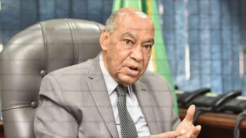 رئيس قضايا الدولة السابق: حبس سنة و20 ألف جنيه لمروجي شائعات كورونا - مصر -
