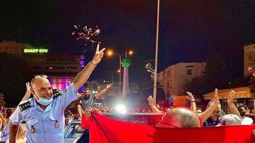 احتفالات الشعب التونسي بقرارات الرئيس