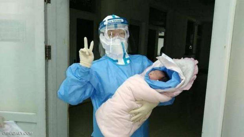 الطفلة الصينية الرضيعة
