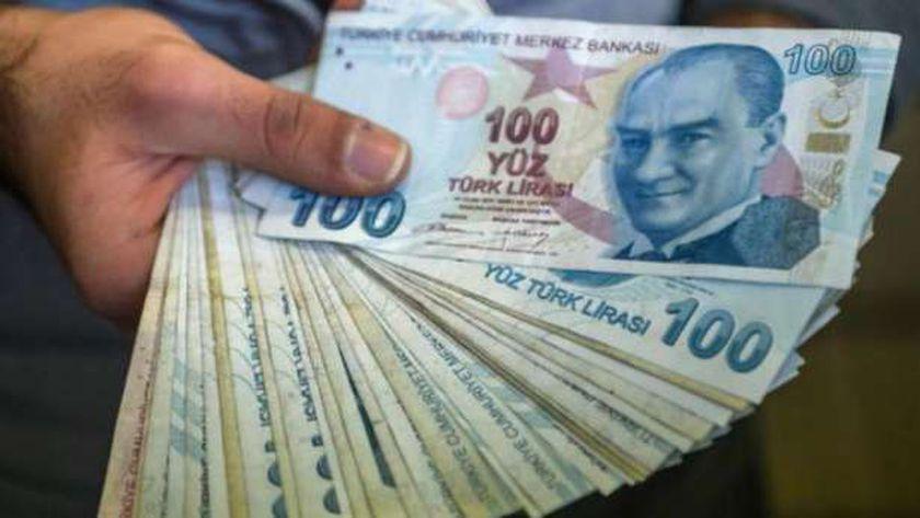 الليرة التركية تواصل هبوطها أمام اليورو