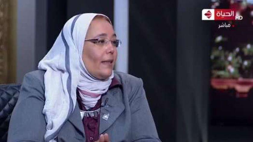 الدكتورة أميرة الشافعي رئيس شعبة البحوث النسجية بالمركز القومي للبحوث