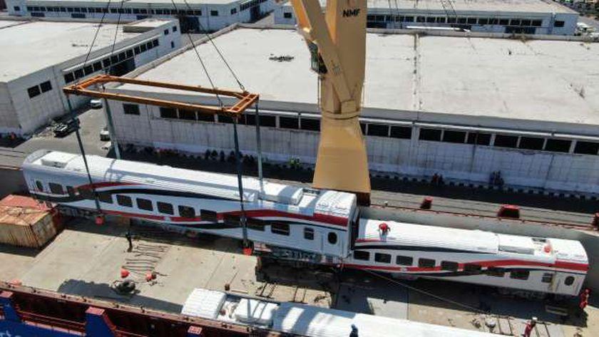 """""""النقل"""" تعلن وصول دفعة جديدة من عربات ركاب السكة الحديد"""