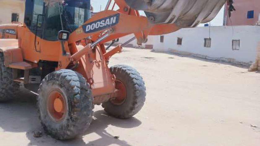 رفع 200 طن قمامة ومخلفات وتراكمات أتربة ومسح للشوارع بحي ثان طنطا