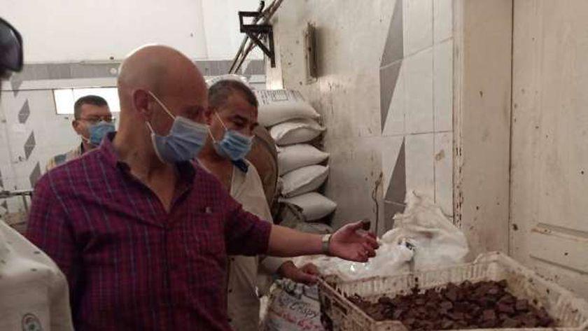 إعدام 640 طن أغذية فاسدة وغلق 2391 منشأة مخالفة بالشرقية