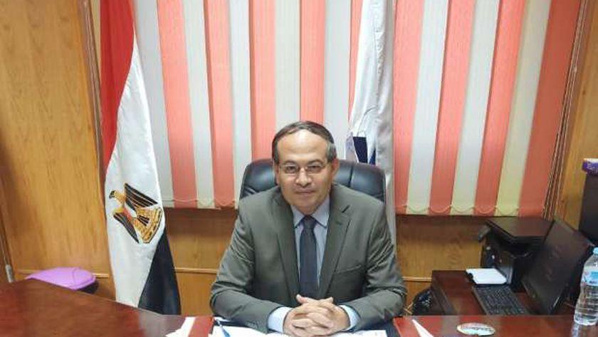 الدكتور رمضان الدوميني، عميد صيدلة كفر الشيخ