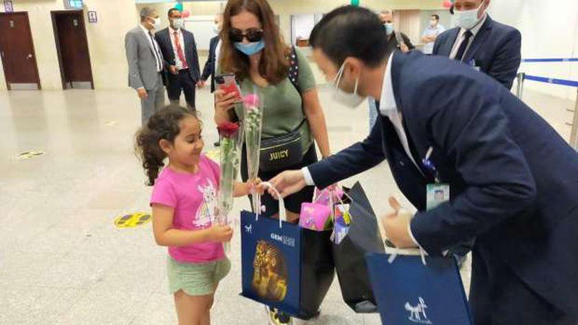 شرم الشيخ يستقبل أولى الرحلات السياحية الوافدة لشركة فلاى دبي