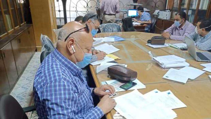 لجنة تلقى طلبات مرشحى مجلس الشيوخ في كفر الشيخ