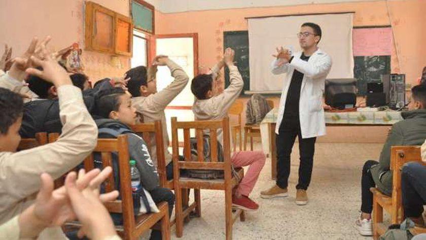 """مساعي لتطوير الخدمات لطلاب """"التعليم المجتمعي"""""""
