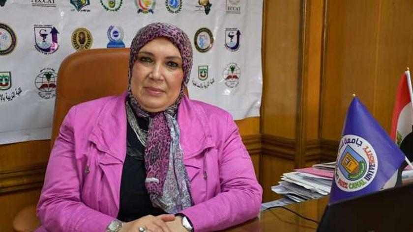 الدكتورة ماجدة هجرس  رئيس جامعة القناة