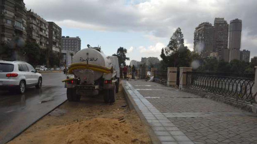 محافظ الجيزة يوجه بشفط مياه الأمطار من مطالع الكباري والأنفاق
