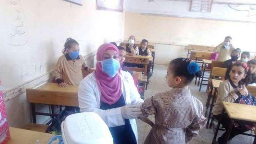 تطعيم أكثر من ٣٢٠ ألف طالب وطالبة ضد مرض الإلتهاب السحائي بالشرقية