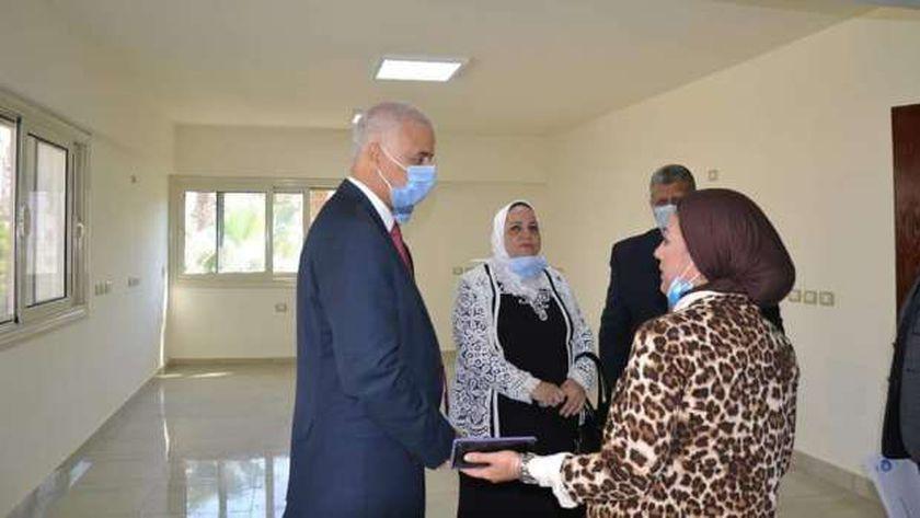 رئيس جامعة الإسكندرية يتفقد مركز طه حسين لرعاية الطلاب ذوي الاحتياجات الخاصة