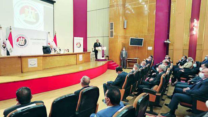رئيس الهيئة الوطنية للانتخابات في مؤتمر وطني سابق