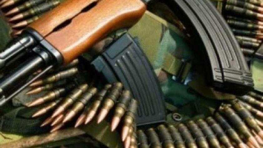 صورة التحفظ على 28 قطعة سلاح وكمية من المخدرات في حملة أمنية بسوهاج – المحافظات