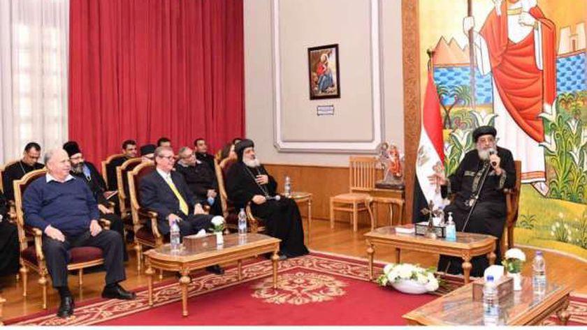البابا مع أعضاء هيئة تدريس الإكليريكية