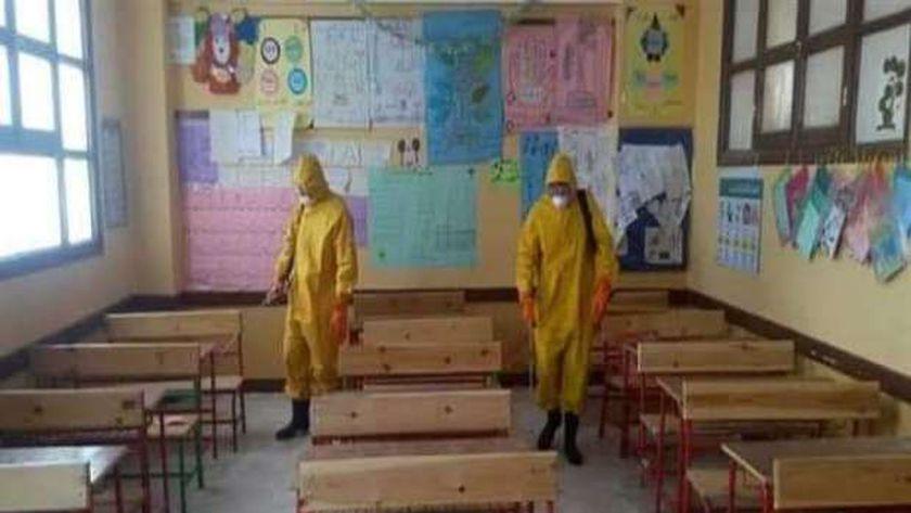 استعدادات التعليم لامتحانات الشهادة الإعدادية داخل إحدى الفصول