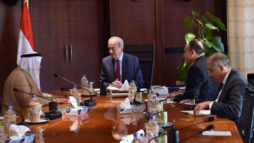 رئيس الوزراء يستقبل السفير الكويتى