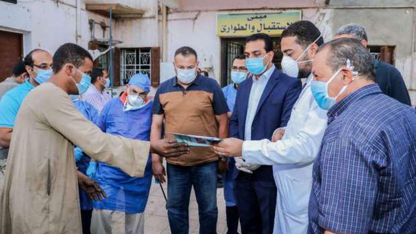انتظام سير العمل وتوافر المستلزمات الطبية بمستشفى فرشوط المركزي للعزل