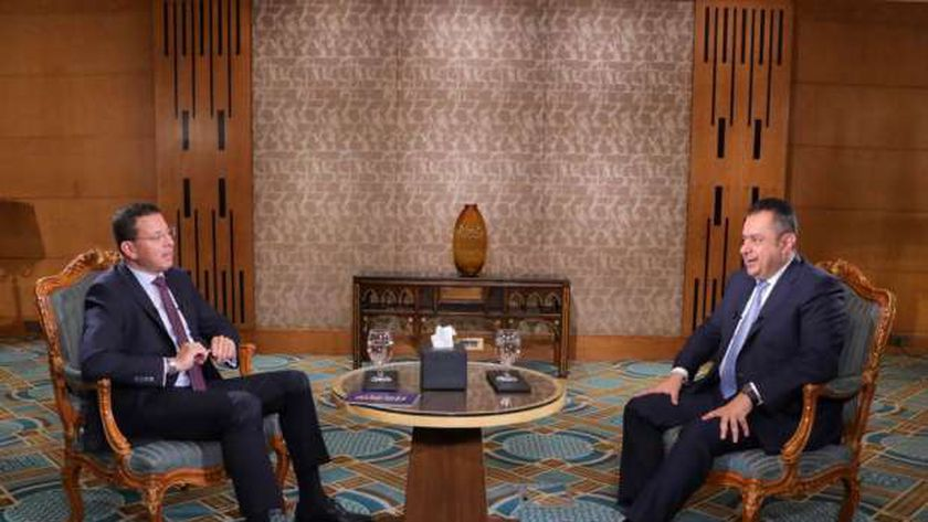 رئيس وزراء اليمن خلال حواره مع الإعلامى عمرو عبدالحميد