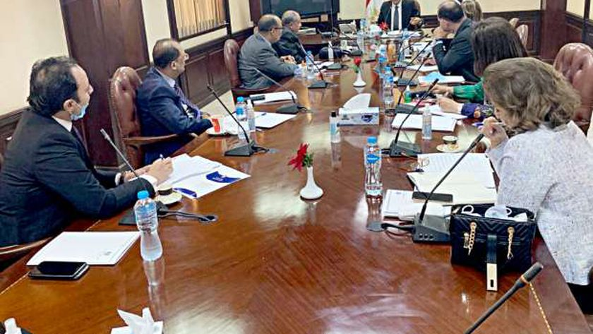 جانب من الاجتماع الأول للمجلس
