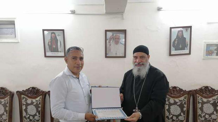 القمص يؤانس أديب وكيل مطرانية الكاثوليك بالبحر الأحمر