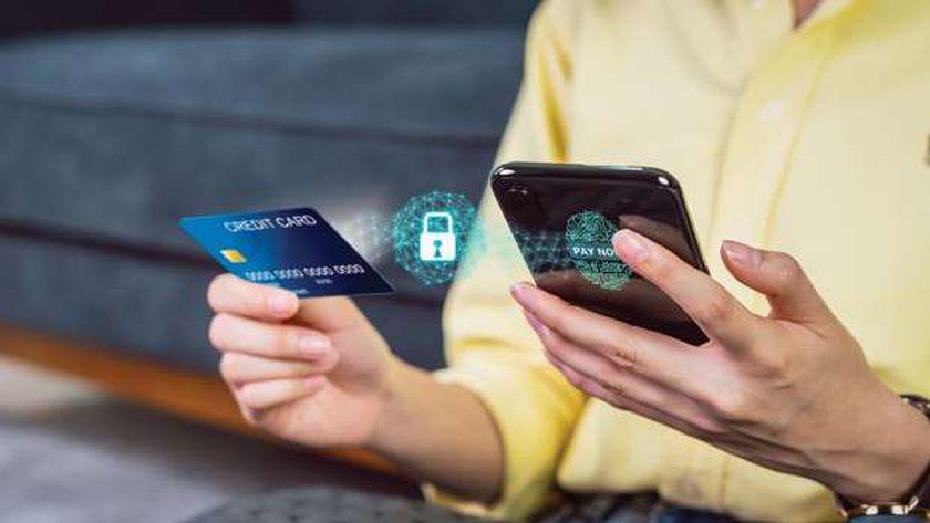 الاعتماد على الأدوات التكنولوجية المالية فى البنوك لزيادة سرعة التحول الرقمى