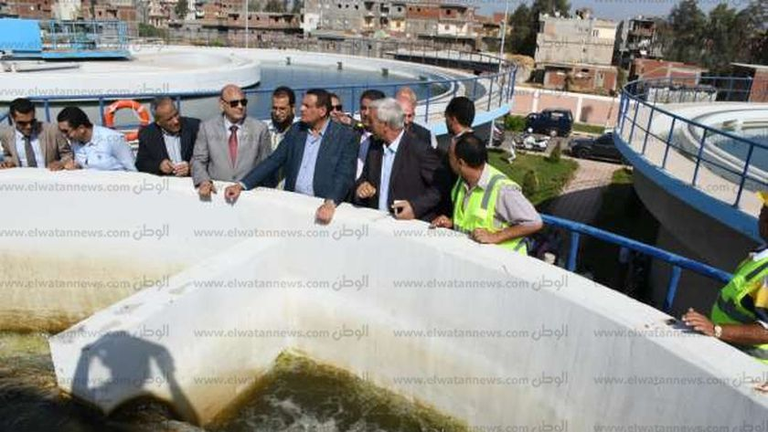 محافظ البحيرة يتفقد مشروع الإسكان ومحطة المياه الجديدة بالمحمودية