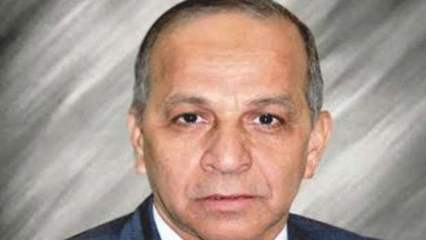 اللواء محمود عشماوي محافظ الوادي الجديد