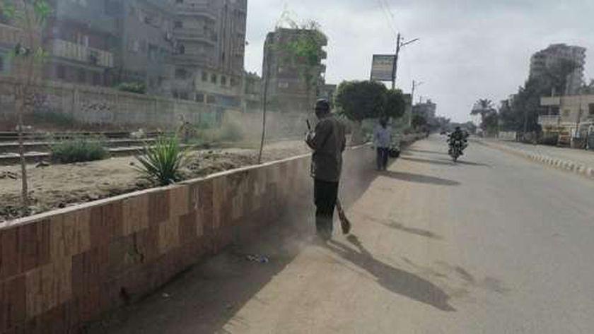 حملات لنظافة الشوارع ورفع كفاءة الإنارة بمدن وقرى كفر الشيخ