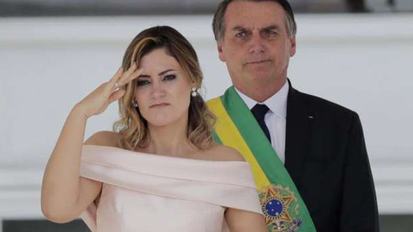 ميشيل بولسونارو سيدة البرازيل الأولى تعرضت لانتقادات لتلقيها لقاح كورونا بالخارج