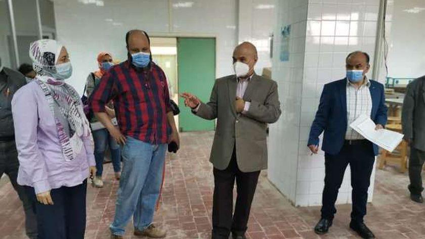 الدكتور أسامة عنتر داخل متحف التشريح