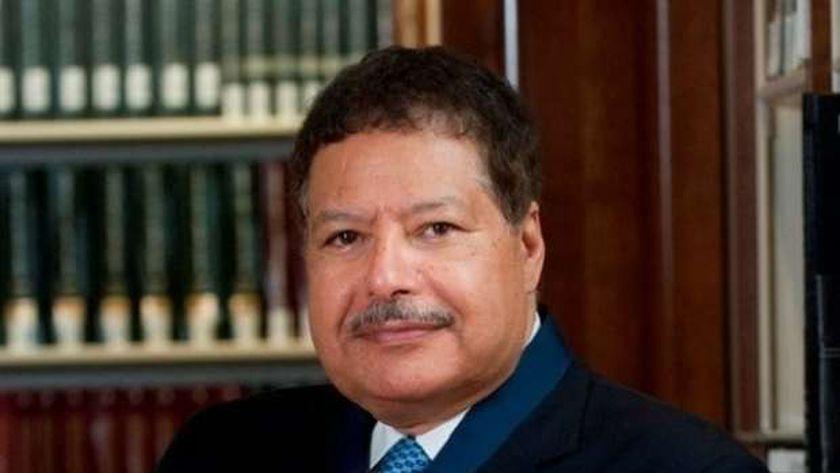 العالم المصري الراحل أحمد زويل