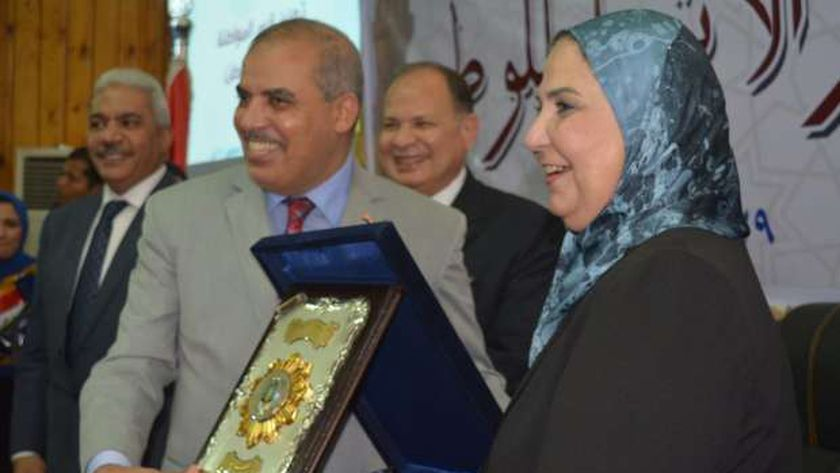 وزيرة التضامن تشارك فى ندوة تعزيز قيم المواطنة والانتماء للوطن